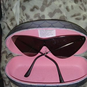 Betsey Johnson sunglasses & coin clutch